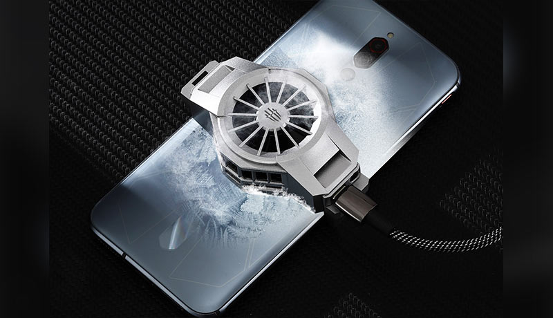 x_RedMagic-5S-Ice-Dock_lifestyle---inside-RedMagic-techxmedia