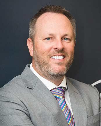 Dr.-Christopher-Cooper-DCG-Managing-Director-Lenovo-MEA-Lenovo Data Center-techxmedia