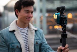 MKE-200-Smartphone-Action-Shot---featured-MKE 200-techxmedia