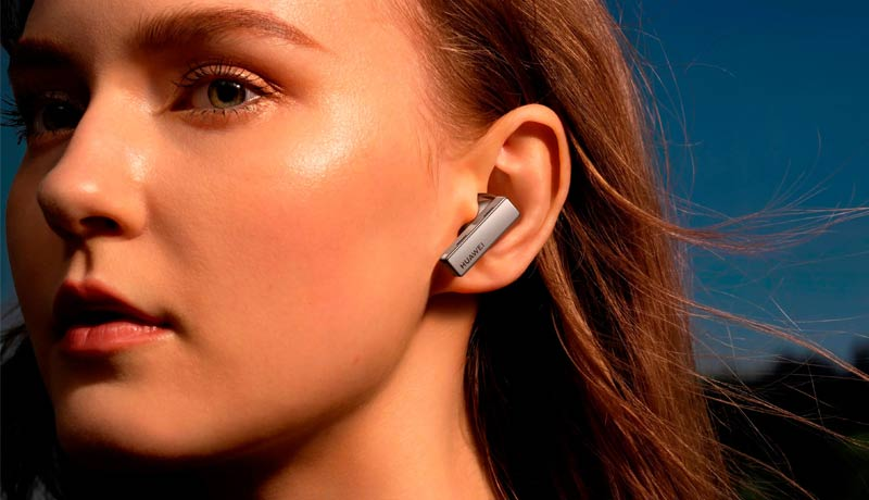 earphone - Huawei - array of audio devices - TECHx