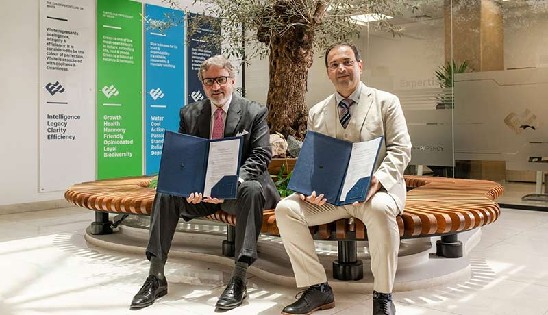 Adib-Moubadder,-CEO,-Emicool-and-Franco-Atassi,-CEO,-Siemens-Smart-Infrastructure-in-the-Middle-East-signing-the-partnership - techxmedia